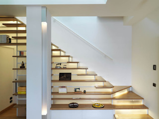 Recupero Sottotetto - Duplex 1 enzoferrara architetti Ingresso, Corridoio & Scale in stile moderno