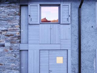 A wardrobe in the landscape es-arch Casa rurale