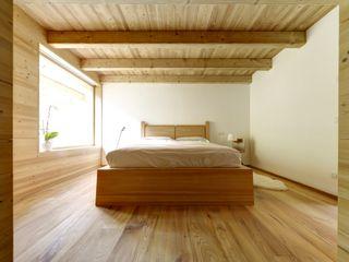 House Of The Sun STUDIOFANETTI Camera da letto eclettica