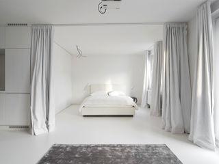 Alexander John Huston Modern Bedroom