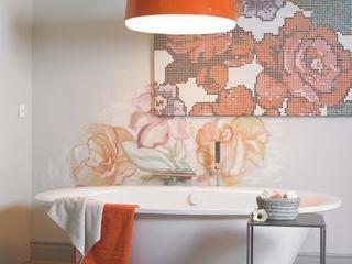 Flower Power BARASONA Diseño y Comunicacion Baños de estilo ecléctico