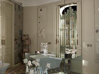 Suite Single BARASONA Diseño y Comunicacion Baños de estilo clásico