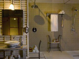 Charming Suite BARASONA Diseño y Comunicacion Baños