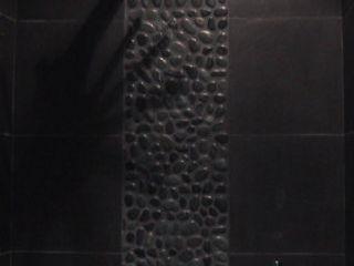 Du noir et du minéral en architecture intérieure Philippe Ponceblanc Architecte d'intérieur Salle de bainBaignoires & douches