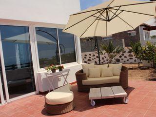 Decoración villa Tatiana Doria, Diseño de interiores Balcones y terrazas de estilo mediterráneo