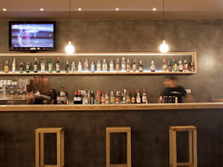 Oscar Vidal Studio Bar & Klub Gaya Industrial
