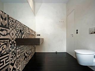 büro für interior design Eclectic style bathrooms