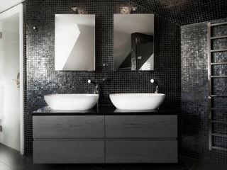 Luxury Bathroom Studio Hooton 모던스타일 욕실