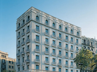 Octavio Mestre Arquitectos Classic style houses