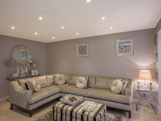 Living room - Canary Wharf Millennium Interior Designers Вітальня