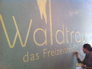 Restaurantgestaltung Betonlook mit Goldakzent Jakob Messerschmidt GmbH - Malerfachbetrieb Industriale Esszimmer
