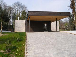 Allegre + Bonandrini architectes DPLG Nhà để xe/nhà kho phong cách hiện đại
