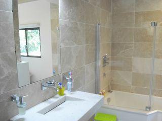 Allegre + Bonandrini architectes DPLG Phòng tắm phong cách hiện đại