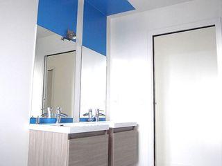 Allegre + Bonandrini architectes DPLG Modern style bathrooms