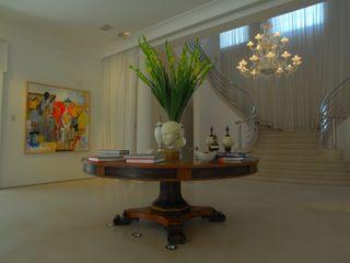 Villa in Tel Aviv Scultura & Design S.r.l. Ingresso, Corridoio & Scale in stile eclettico