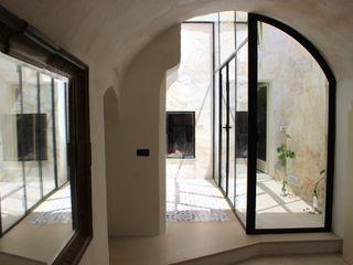 Studio Ricciardi Architetti 地中海スタイル 玄関&廊下&階段