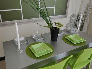 Appartamento campione nell'hinterland milanese Gabriella Sala Design Sala da pranzo moderna