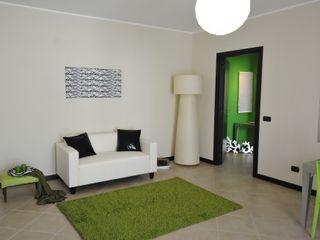 Appartamento campione nell'hinterland milanese Gabriella Sala Design Soggiorno moderno