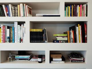 marta novarini architetto Living roomShelves