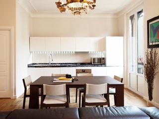 marta novarini architetto Modern kitchen