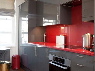 Knightsbridge Bachelor Pad - London Prestige Architects By Marco Braghiroli Кухня