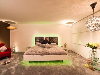 Raum & Licht-Design Design by Torsten Müller Ausgefallene Wohnzimmer