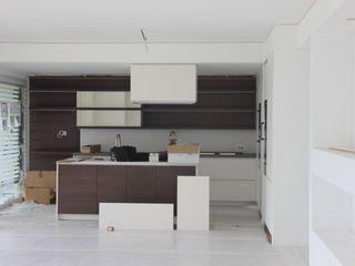 NOMADE ARCHITETTURA E INTERIOR DESIGN Modern