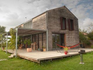 MAISON PASSIVE - TABANAC / GIRONDE POLY RYTHMIC ARCHITECTURE Centre d'expositions modernes