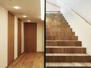 Dietrich | Untertrifaller Architekten ZT GmbH Couloir, entrée, escaliers