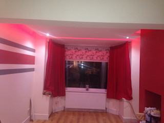 Floating ceiling with hidden LEDs Lancashire design ceilings Moderne woonkamers