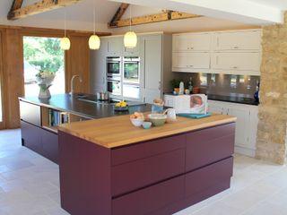 Old-Meets-New Krantz Designs Cucina moderna