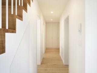 Apollostrasse 3, Zürich HPP Architekten GmbH Klassischer Flur, Diele & Treppenhaus
