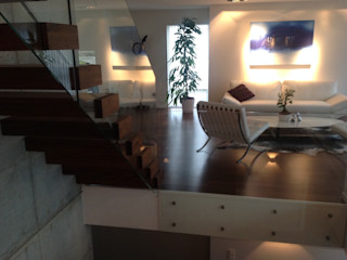 Cantilevered stairs for modern homes Siller Treppen/Stairs/Scale 樓梯 木頭 Brown