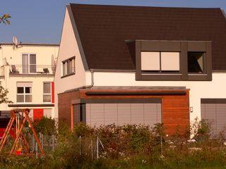FRÄNKISCH UND MODERN? EIN WIDERSPRUCH? b2 böhme PROJEKTBAU GmbH Moderne Häuser