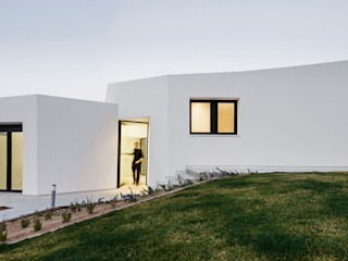 House in Llavaneres MIRAG Arquitectura i Gestió Mediterranean style houses