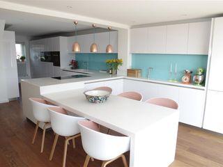 Handle less Polar white Glamour PTC Kitchens Cucina moderna