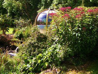 "The ""Sphere"" has landed Kevin Cooper Garden Design Modern garden"