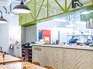 SZTUKA Laboratorio Creativo de Arquitectura KitchenTables & chairs