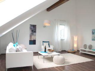 Home Staging leere Immobilie Maisonette-Wohnung raumwerte Home Staging Moderne Wohnzimmer