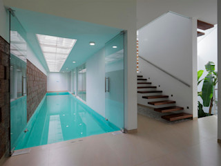 The Running Wall Residence LIJO.RENY.architects Home design ideas