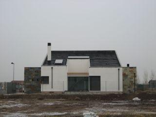 ADDEC arquitectos Modern houses