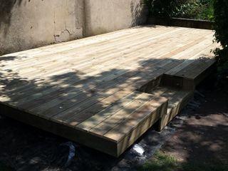 Decking Neil Brown - Handyman & Renovations Moderner Balkon, Veranda & Terrasse