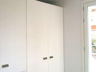NUÑO ARQUITECTURA Modern Kitchen Wood White