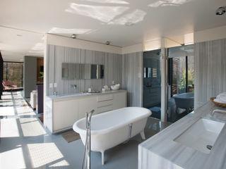 ZD+A Baños de estilo ecléctico