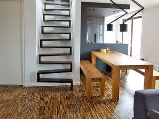 lifestyle-treppen.de Modern Corridor, Hallway and Staircase