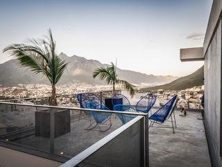 IPE HOUSE P+0 Arquitectura Modern Balkon, Veranda & Teras