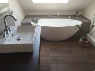 Badeloft - Badewannen und Waschbecken aus Mineralguss und Marmor Baños de estilo moderno