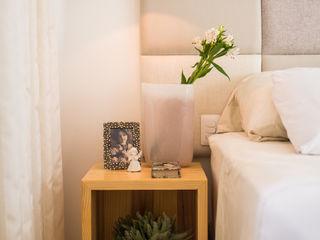 Bloom Arquitetura e Design BedroomBedside tables