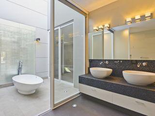 Residencia El Coto Excelencia en Diseño Baños minimalistas
