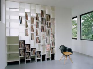 Privathaus bei Berlin homify Minimalistische Wohnzimmer